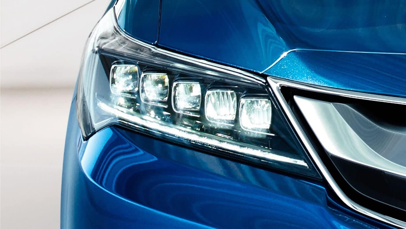 2018 Acura ILX headlights up close