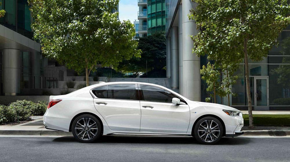 2018 Acura RLX side view