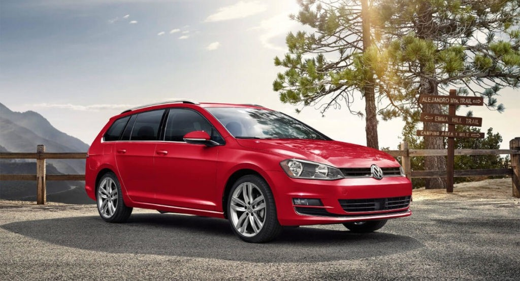 2017 Volkswagen Golf SportWagen Mountain Parked