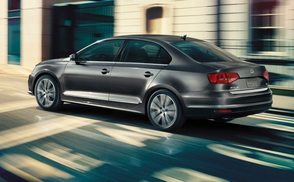 2017 Volkswagen Jetta on road