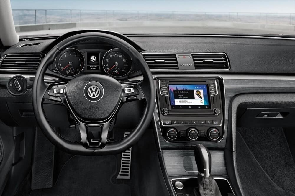 2018 Volkswagen Passat Interior Steering Wheel