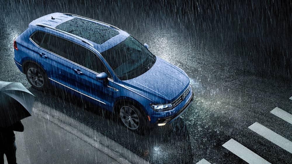 2020 VW Tiguan In The Rain