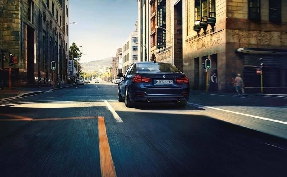 2017-BMW-340i-Sedan