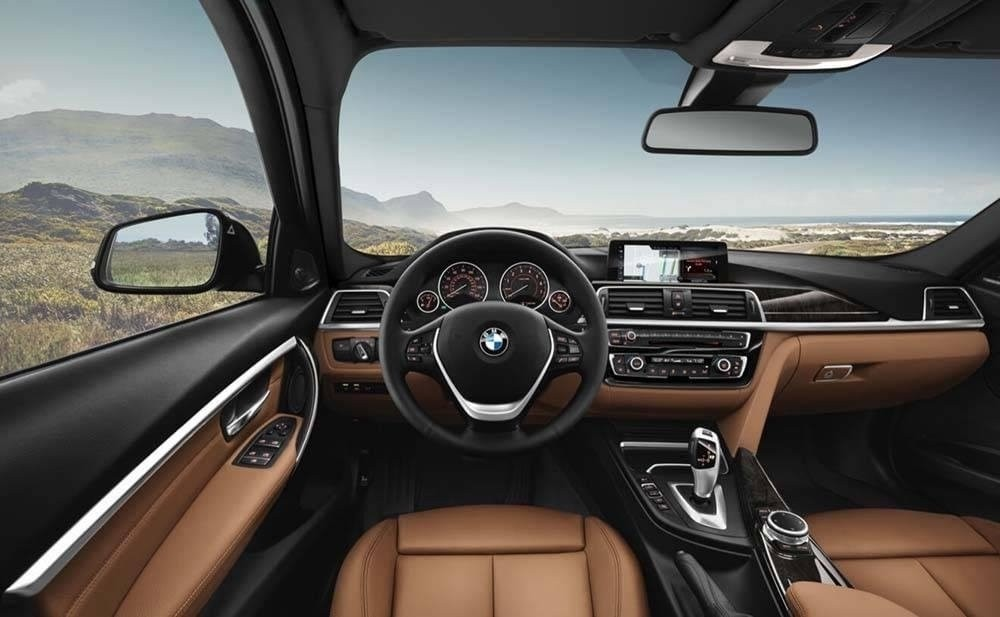 2017-BMW-330i-Sedan