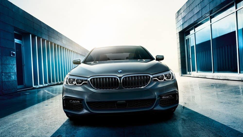 2017-BMW-5-Series-3