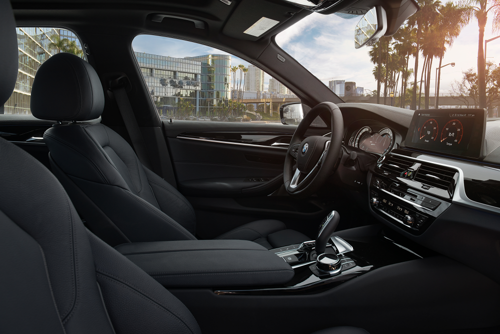 2019 BMW 5 Series Interior
