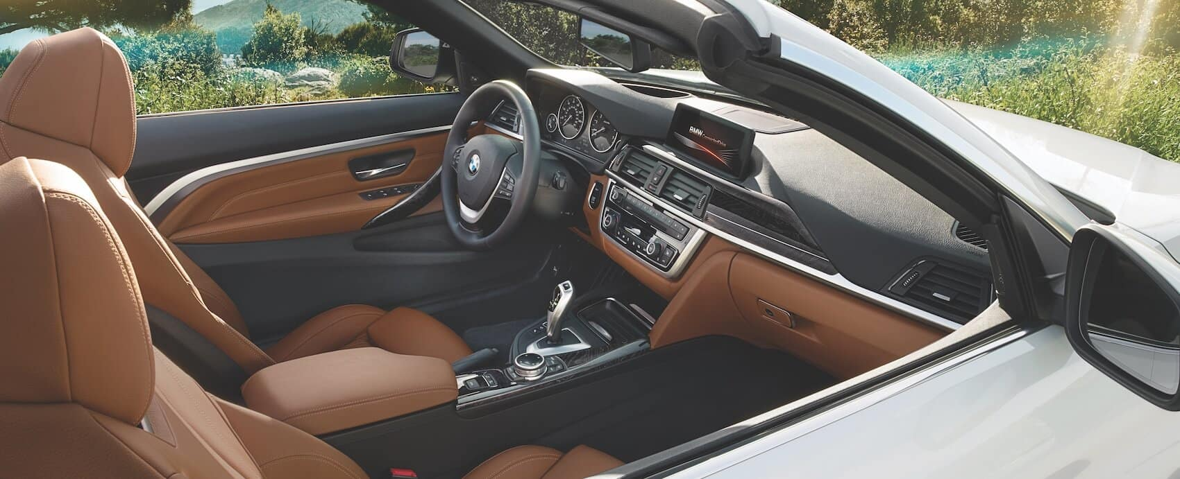 BMW 4 Series Interior Cabin Features