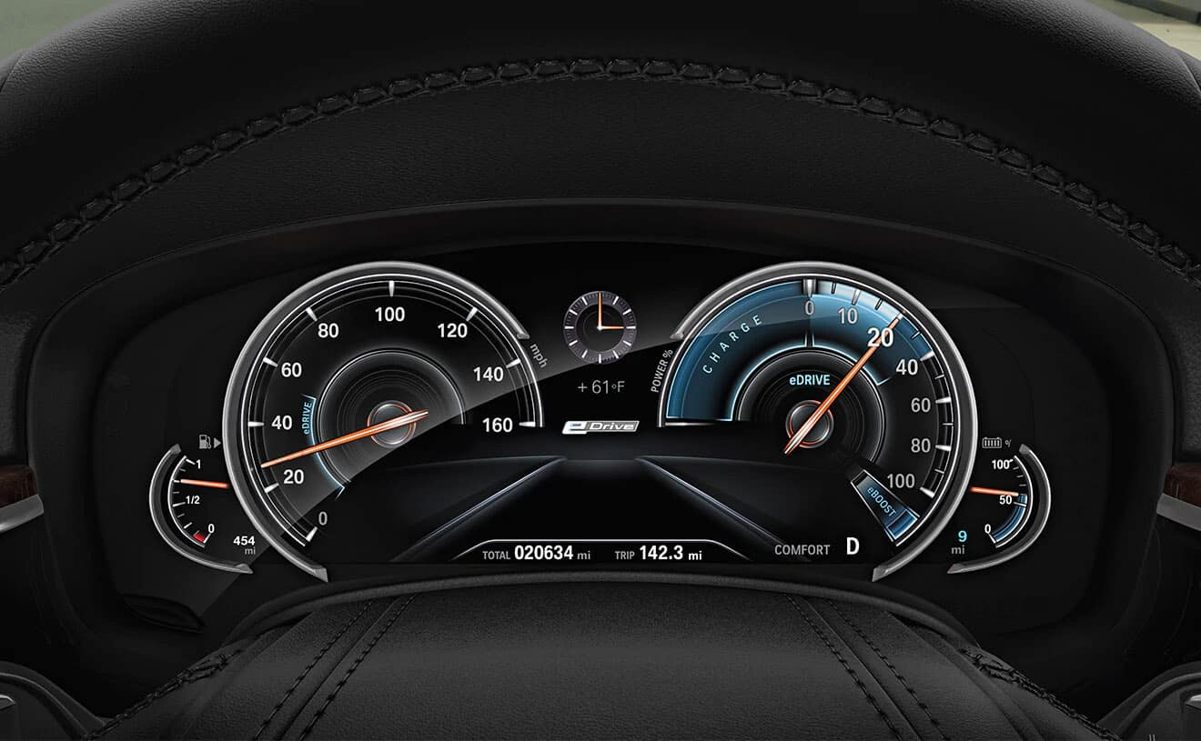 2019 BMW iPerformance 530e steering wheel