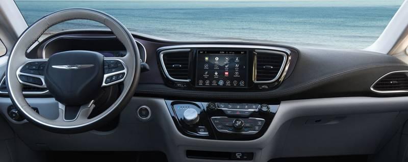 2017 Chrysler Pacifica Hybrid Interior