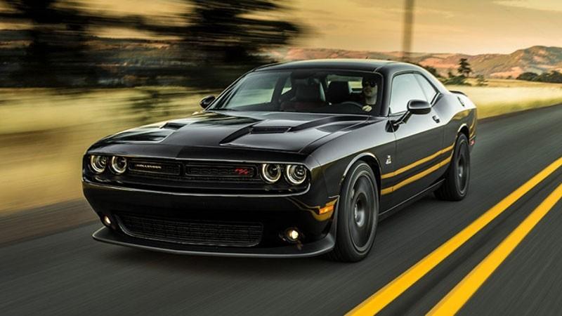 Dodge Charger Vs Challenger >> Compare 2017 Dodge Challenger Vs Dodge Charger Golden Co