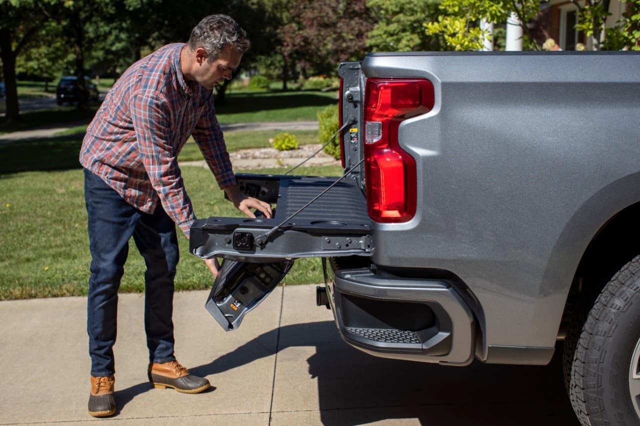 2021 Chevrolet Silverado Multi-Flex Tailgate | Delaware, OH