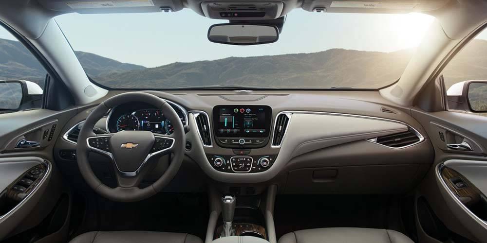 2017 Chevrolet Malibu front interior