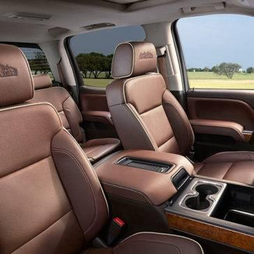 2017 Chevrolet Silverado 1500 front interior seats