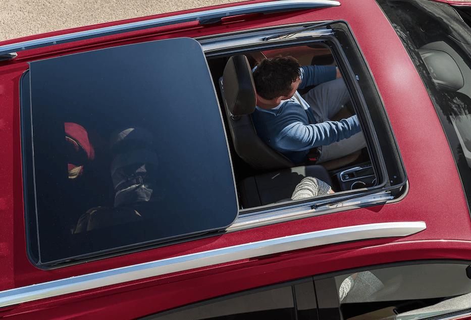 2018 Chevy Equinox panoramic roof view
