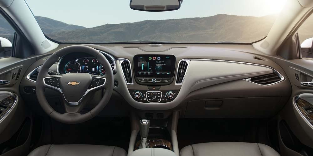 2018 Chevrolet Malibu front interior