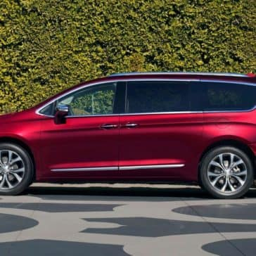 2018 Chrysler Pacifica side view