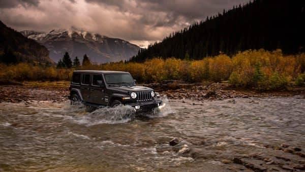 2018 Jeep Wrangler JL Sahara Water Fording