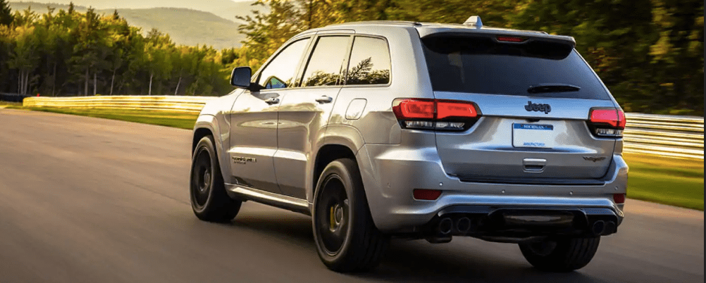 2019 Jeep Cherokee in Silver on the Road