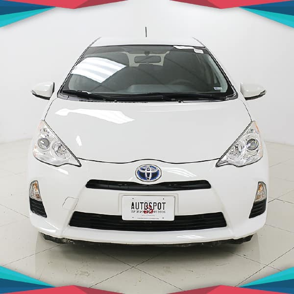 Pre-Owned 2014 Toyota Prius c One Front Wheel Drive Hatchback