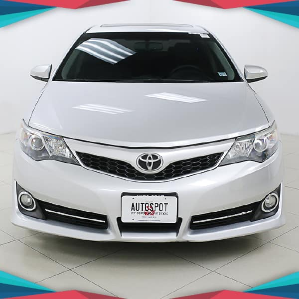 Pre-Owned 2014 Toyota Camry XLE Front Wheel Drive 4dr Car