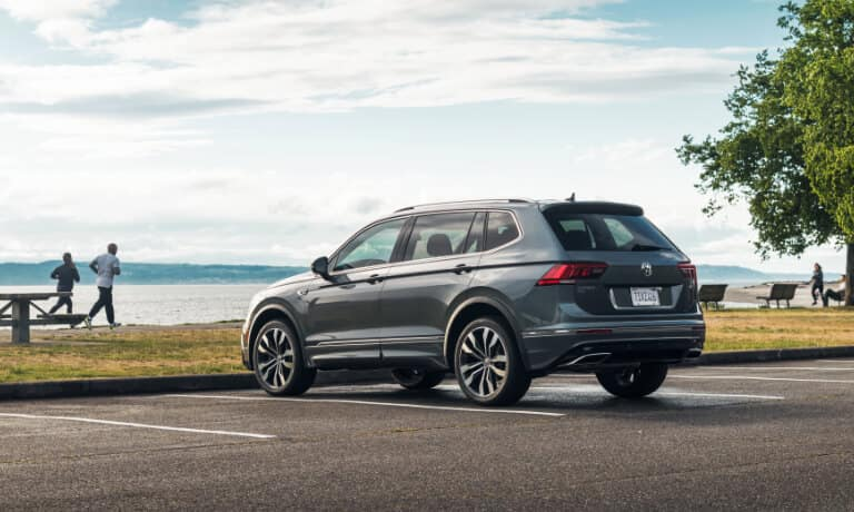 2020 Volkswagen Tiguan side view