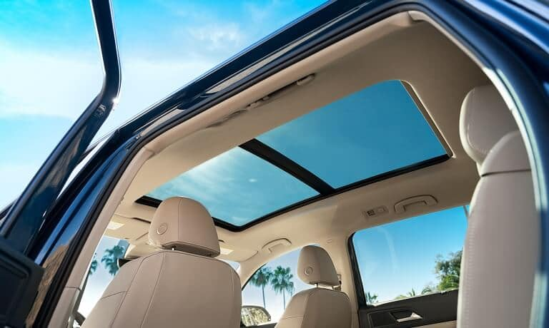 2021 Volkswagen Atlas Interior image