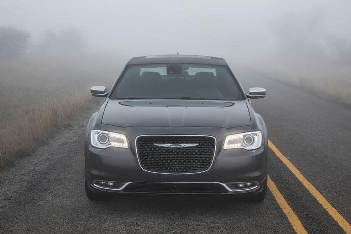 Green Car Reports >> Chrysler 300 Pacifica Hybrid Recognized By Edmunds Green Car Reports