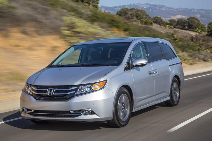 2017 Honda Odyssey EX-L Silver Front Exterior