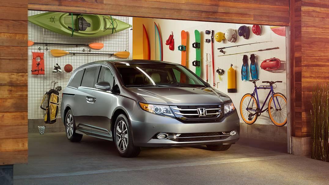 2017 Honda Odyssey Light Gray Front Exterior in Garage