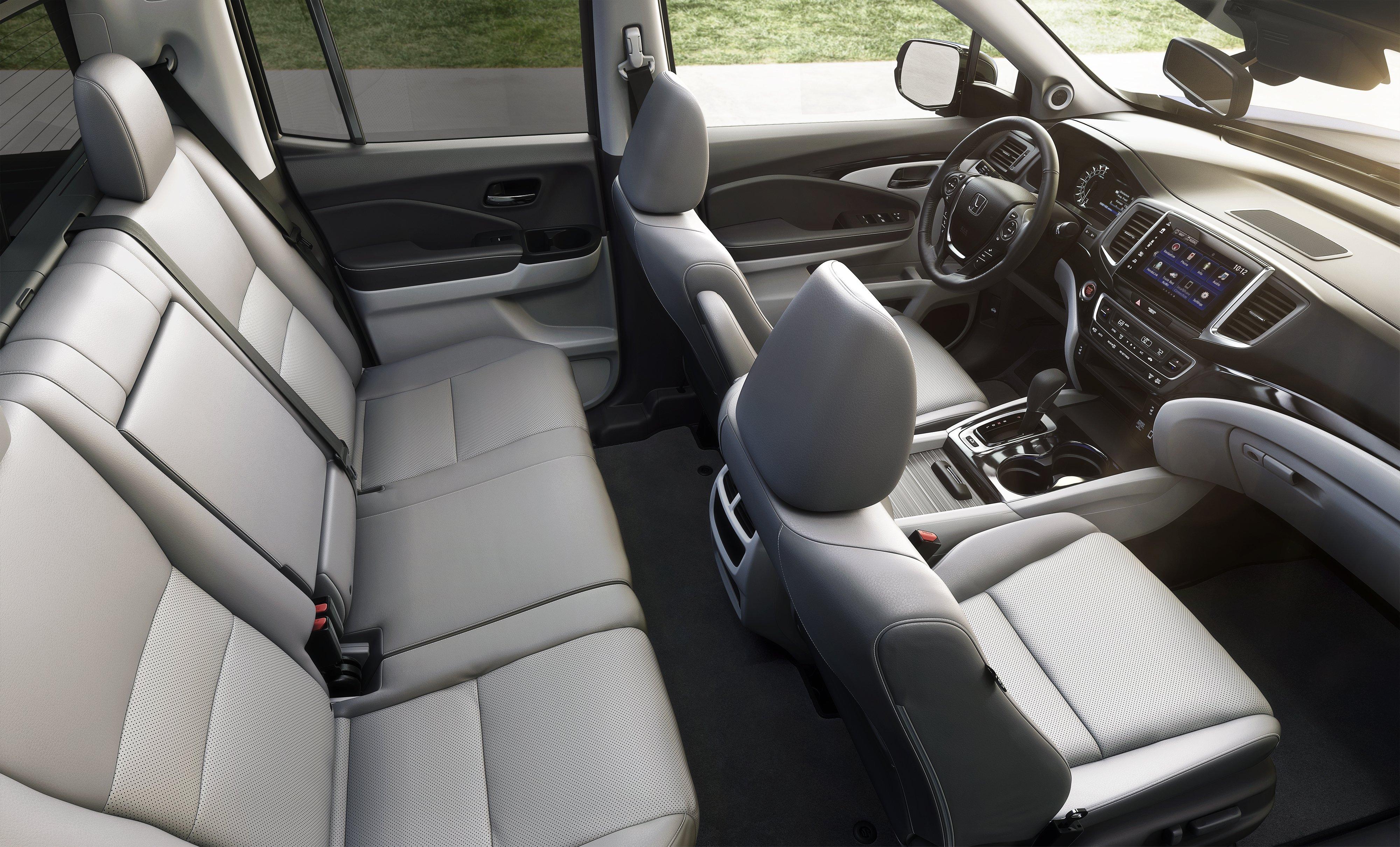 2017 Honda Ridgeline White Interior