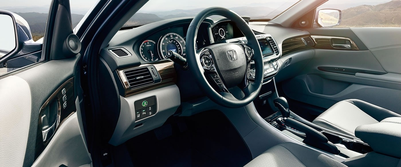 2017 Honda Accord Sedan LX Interior Dash and Steering Wheel