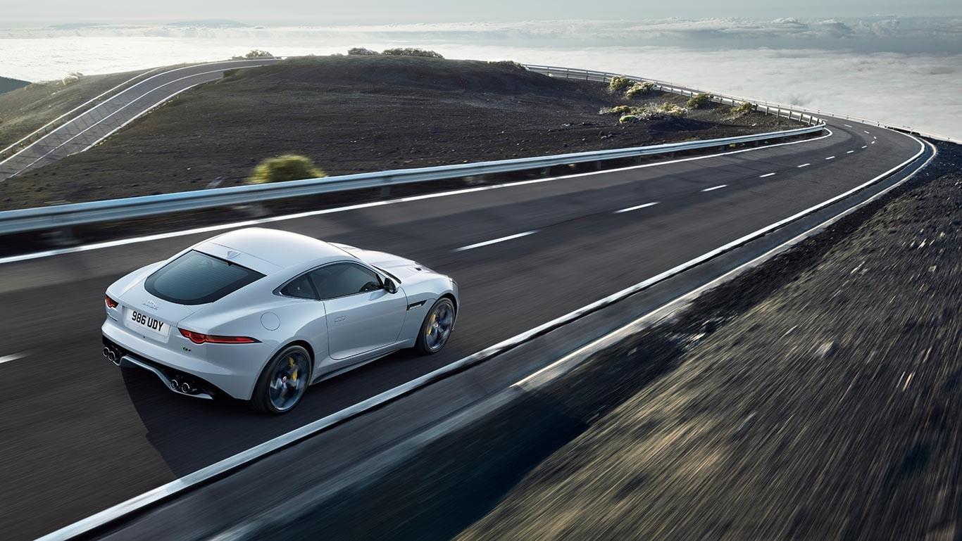 2018 Jaguar F TYPE 7