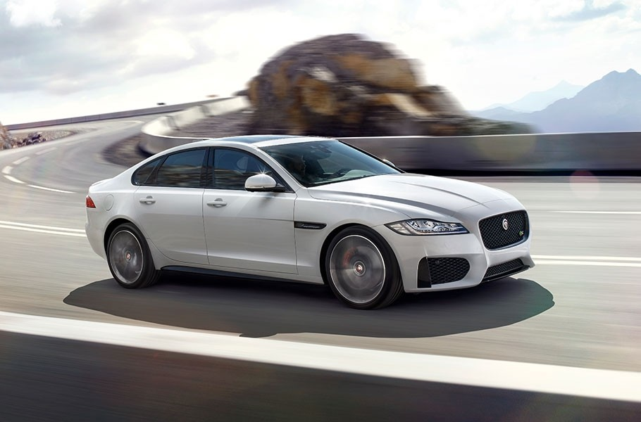 2018 Jaguar XF Technology