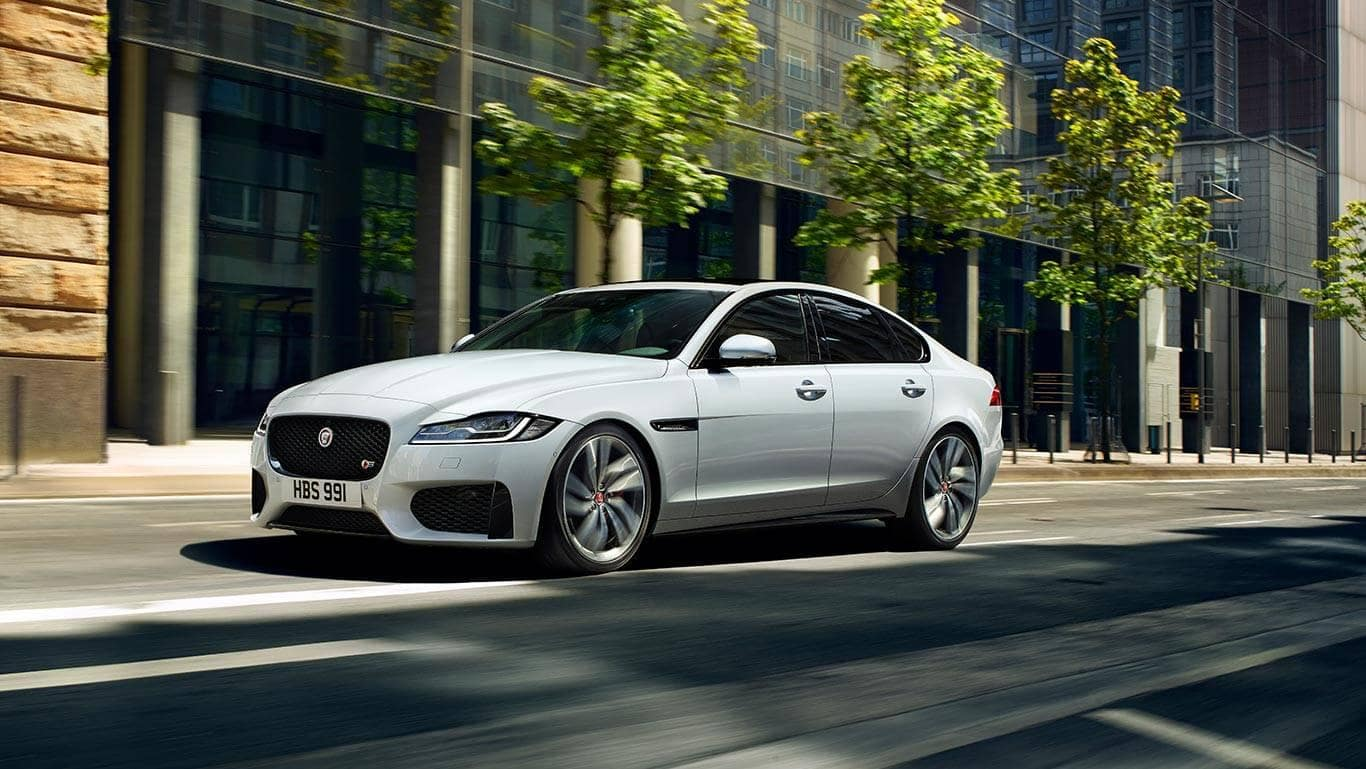 2018-Jaguar-XF
