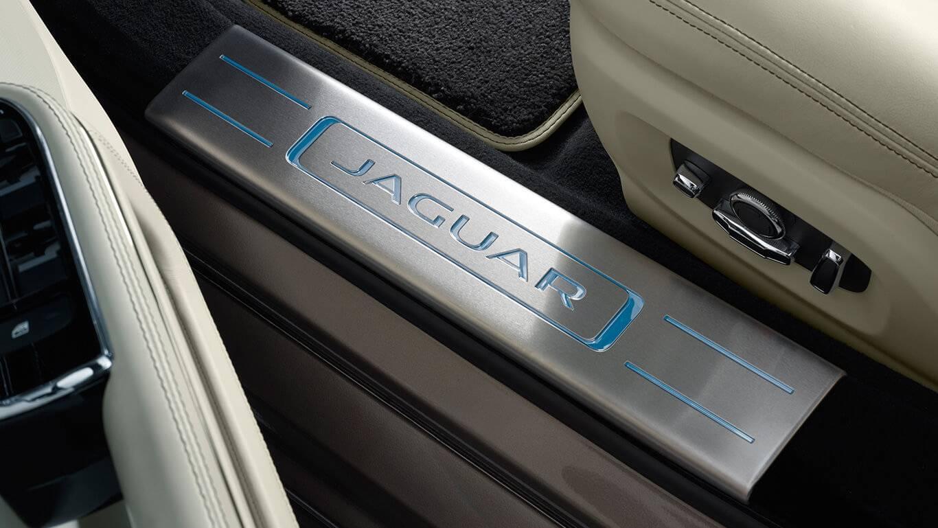 2017 Jaguar XJ tread plates
