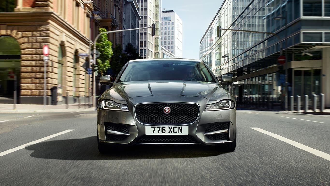 2018 Jaguar XF front exterior