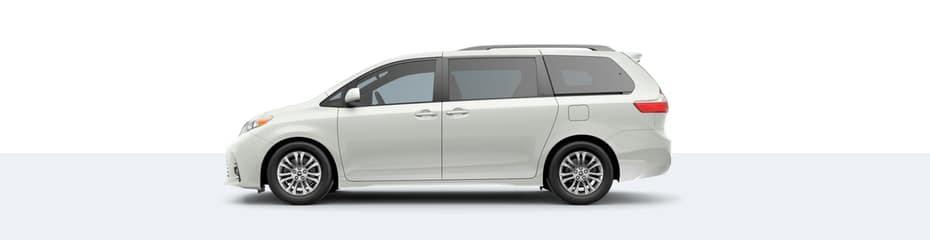2020 Toyota Sienna in Blizzard Pearl