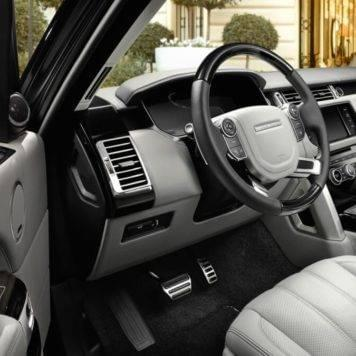 2017-Land-Rover-Range-Rover-Front-Interior