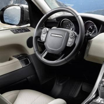 2017-Land-Rover-Range-Rover-Sport-Front-Interior