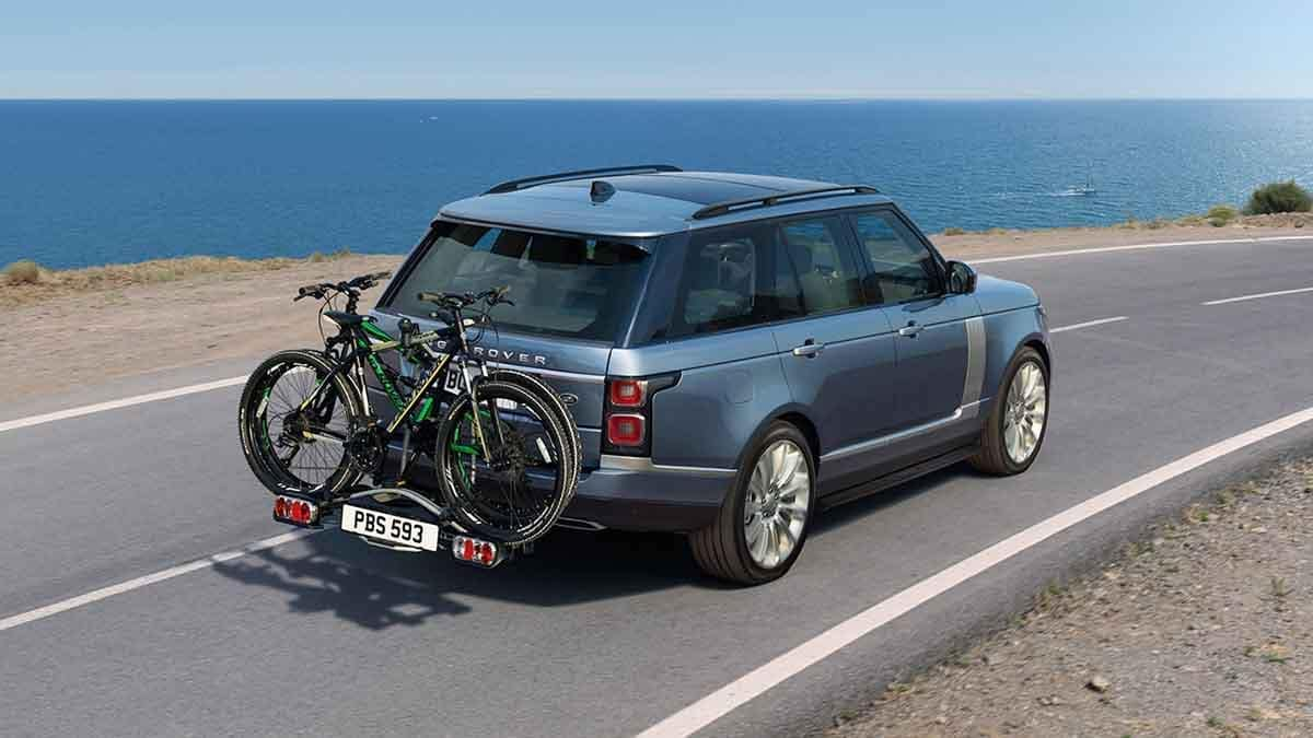 2018 Land Rover Range Rover driving