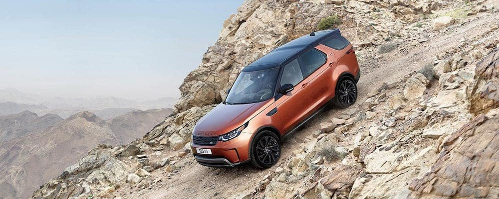 2019 Land Rover Discovery on rocks