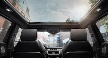 2018 Range Rover Evoque panoramic sunroof