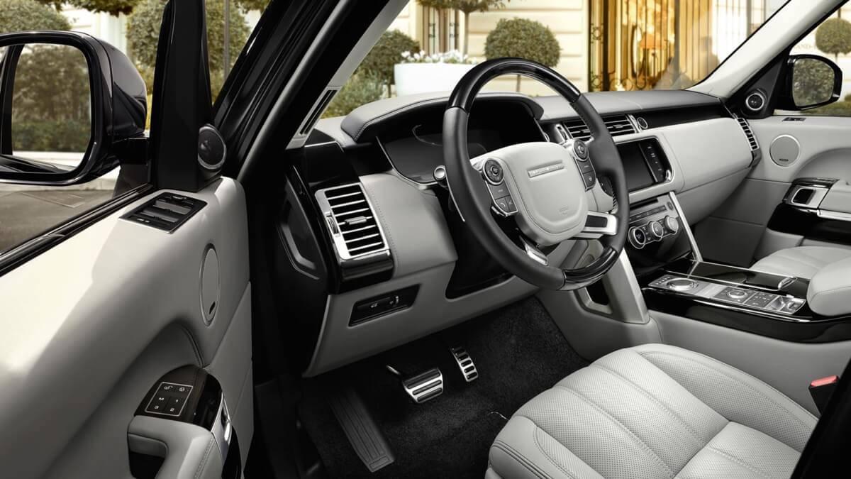 2017 Land Rover Range Rover Front Interior