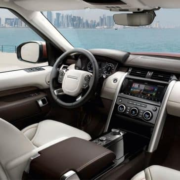2018 Land Rover Discoveryfront interior