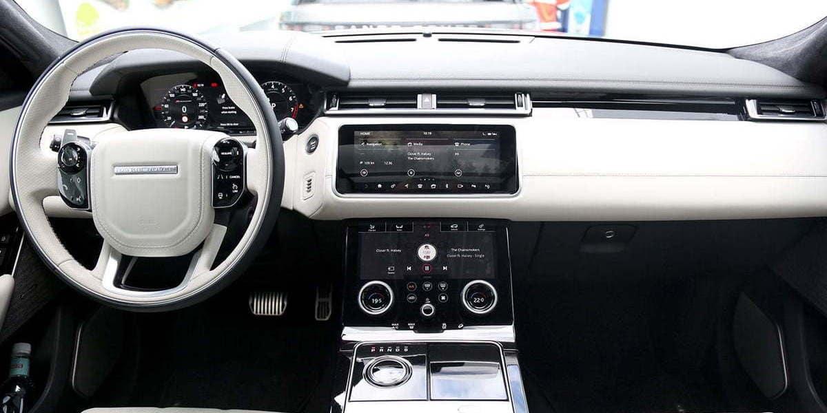Range Rover Vs Land Rover >> 2018 Land Rover Discovery Vs 2018 Land Rover Range Rover Velar