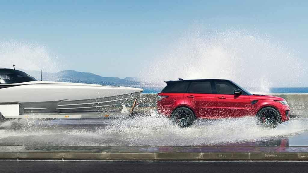 2018 Land Rover Range Rover Towing