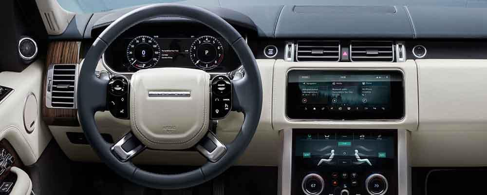 2018 Land Rover Range Rover Steering Wheel and Dashboard