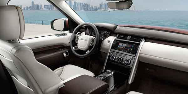 2018 Land Rover Discovery Interior Features
