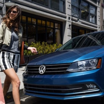 2017 Volkswagen Jetta front exterior up close