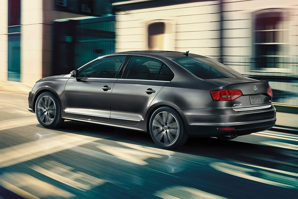 2018 Volkswagen Jetta side view